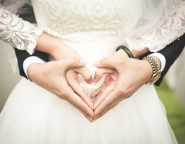 Wedding celebrant melbourne sharon kershaw